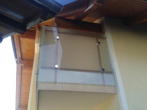 steklarstvo-tamse-steklene-ograje-6
