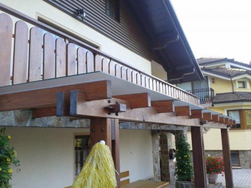 steklarstvo-tamse-steklene-strehe-5