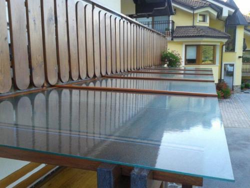 steklarstvo-tamse-steklene-strehe-7