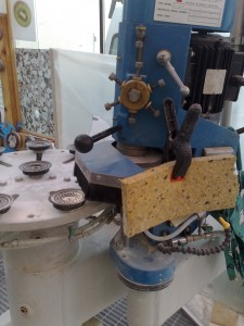 stroj-za-fazetiranje-nepravilnih-oblik
